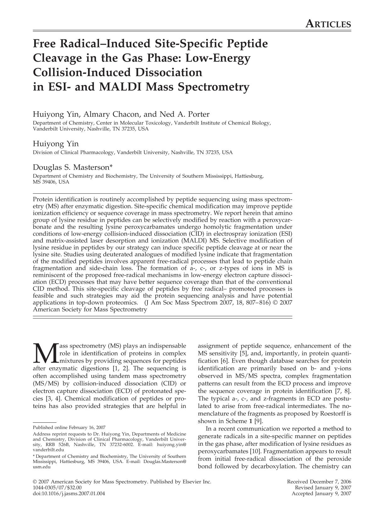 Copertina del libro Free radical-induced site-specific peptide cleavage in the gas phase: Low-energy collision-induced dissociation in ESI- and MALDI mass spectrometry